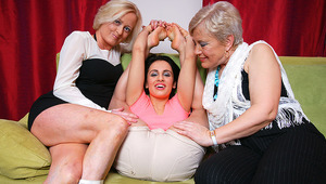Three old and young lesbians go wild on the couch